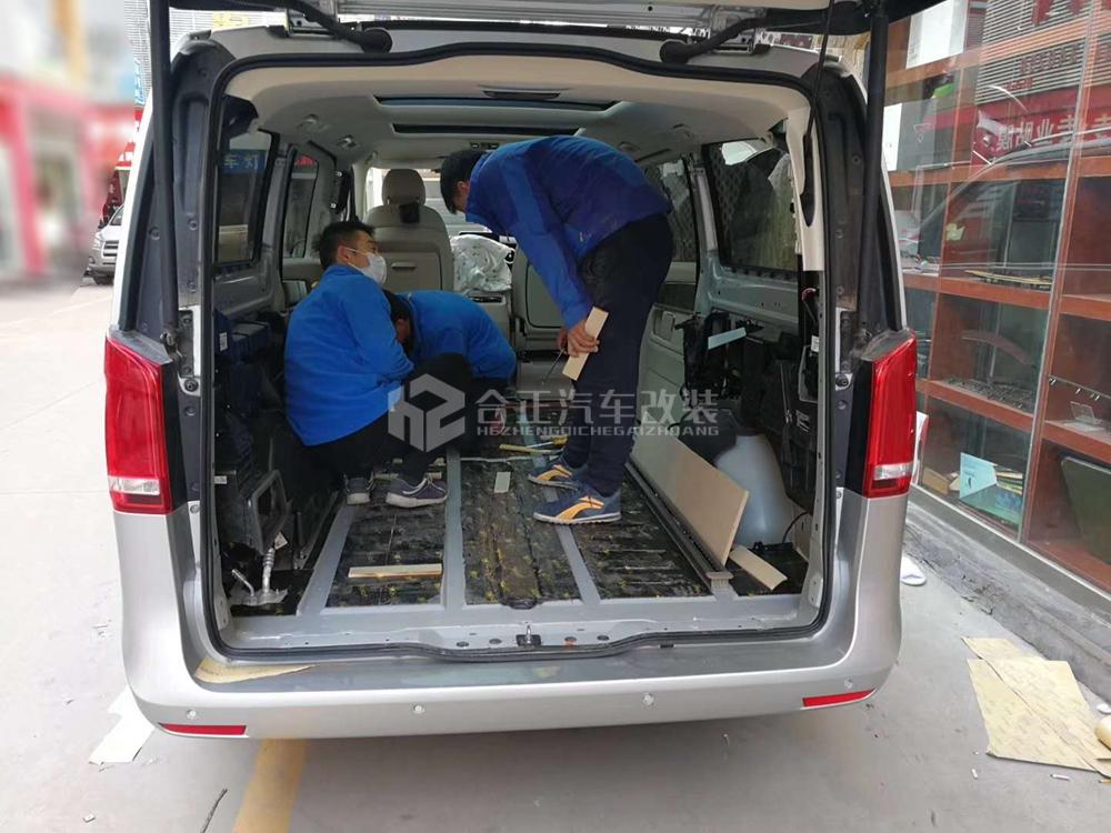 奔驰v260木地板 - 丰田考斯特改装|途乐改装|商务车